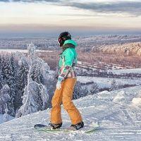"""Катание на сноуборде на курорте """"Снежный"""""""