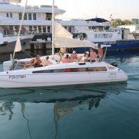 Прогулки на парусно-моторной яхте GoodBoat