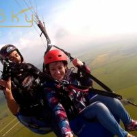 Безопасные прыжки с парашютом в Helisky