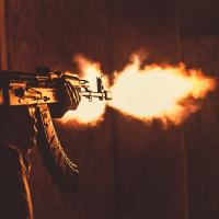 Пострелять из калаша по коллегам? Легко! Играйте в Фаертаг | Firetag